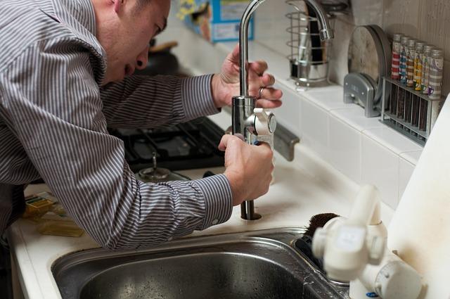 10 conseils pour choisir un plombier bon et sérieux