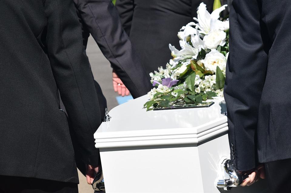 Décès : vers quelles pompes funèbres se tourner ?